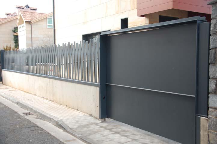 Puertas de garaje enrollables baratas elegant puertas de garaje hechas con el maximo cuidado y - Puertas de garaje seccionales baratas ...